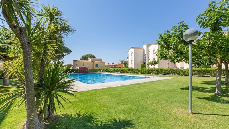 Apartment - 1 Bedroom with Pool and WiFi - 107975