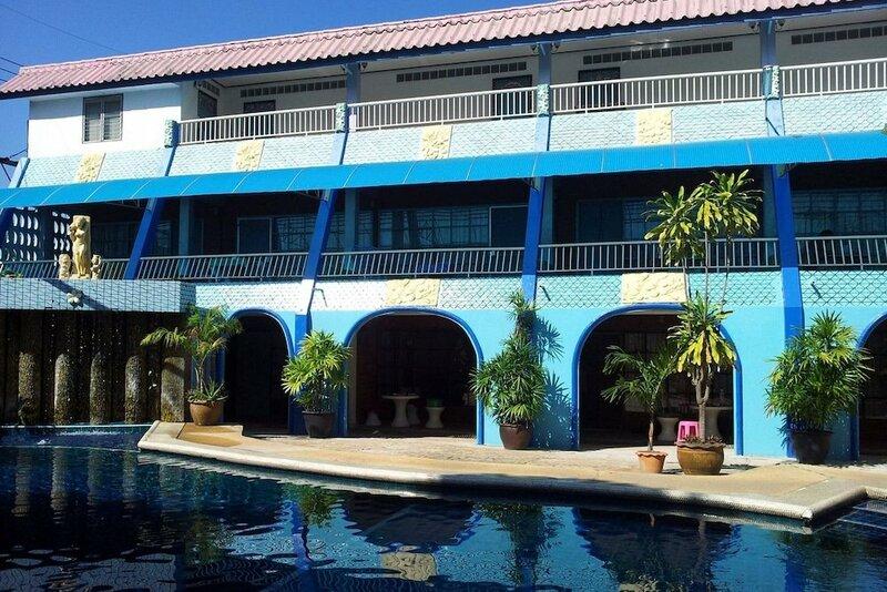 Oyo 1003 Naklua House
