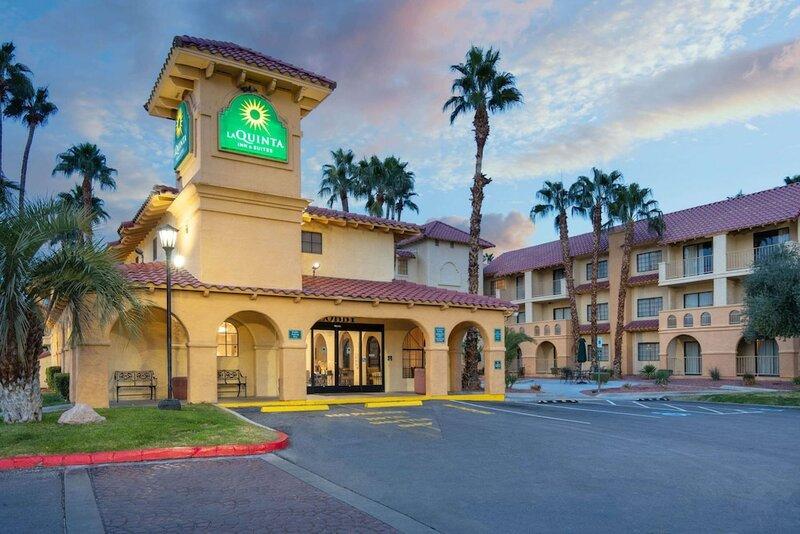La Quinta Inn & Suites by Wyndham Las Vegas Airport N Conv