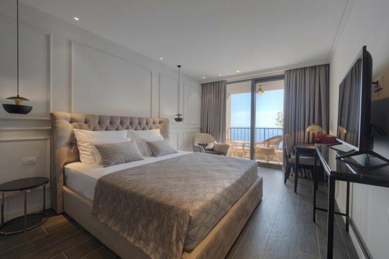 Отель Vivid Blue Serenety Resort
