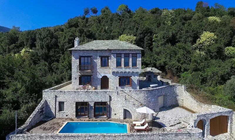 Dionysos Luxury Villa