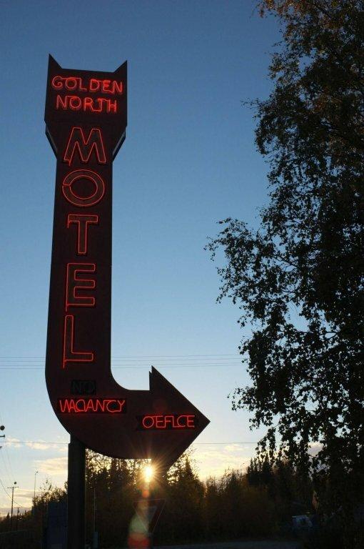 Golden North Motel