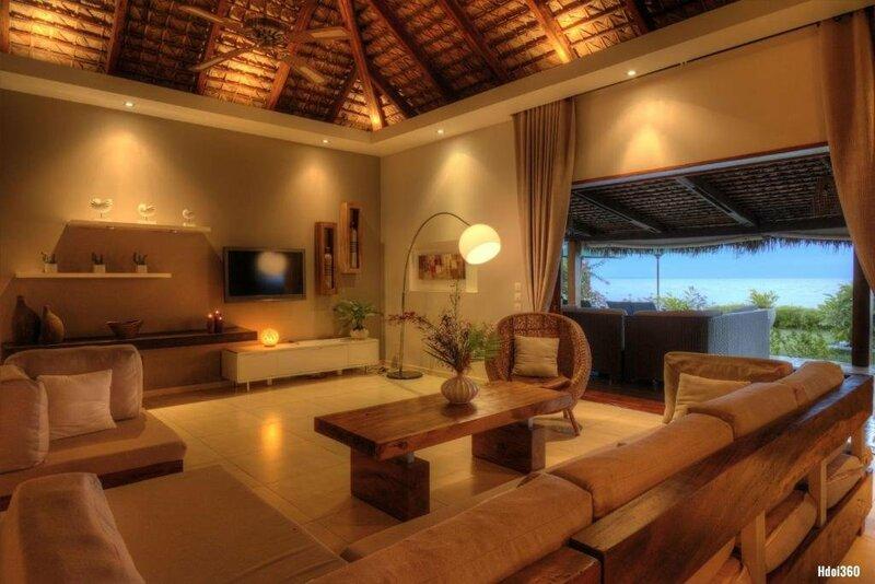 Luxury Sakina Villa Beachfront