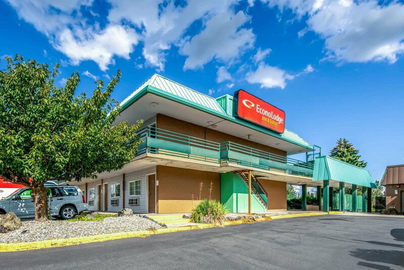 Econo Lodge Inn & Suites Spokane