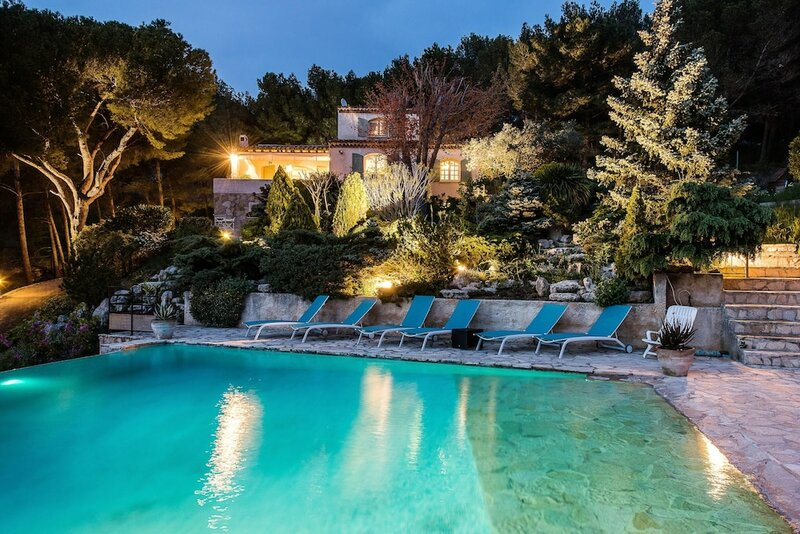 Villa With 3 Bedrooms in Septèmes-les-vallons, With Wonderful Mountain View, Private Pool, Enclosed Garden - 18 km From the Beach
