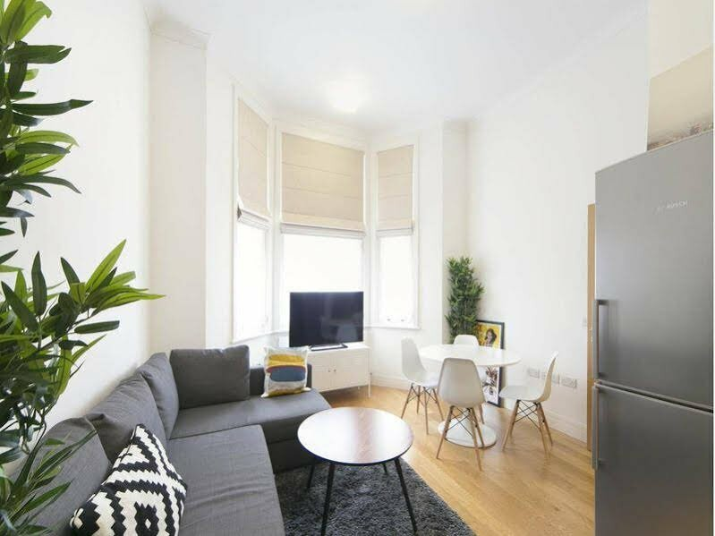 Fg Property Earls Court- Castletown Road