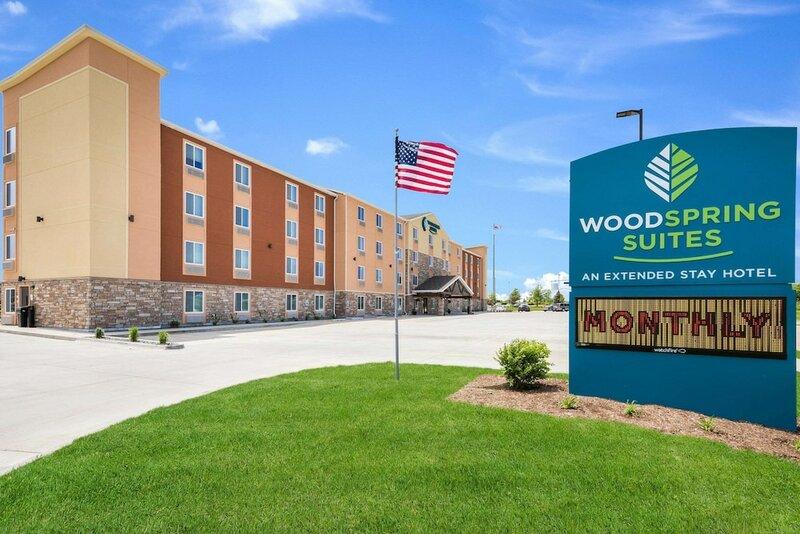 WoodSpring Suites Davenport Quad Cities