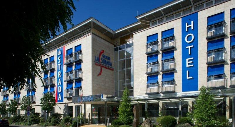 La Strada Hotel