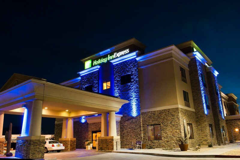 Holiday Inn Express Hotel & Suites Truth