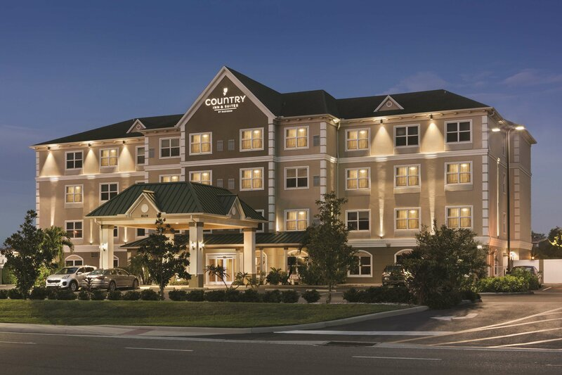Country Inn & Suites by Carlson Tampa Airport