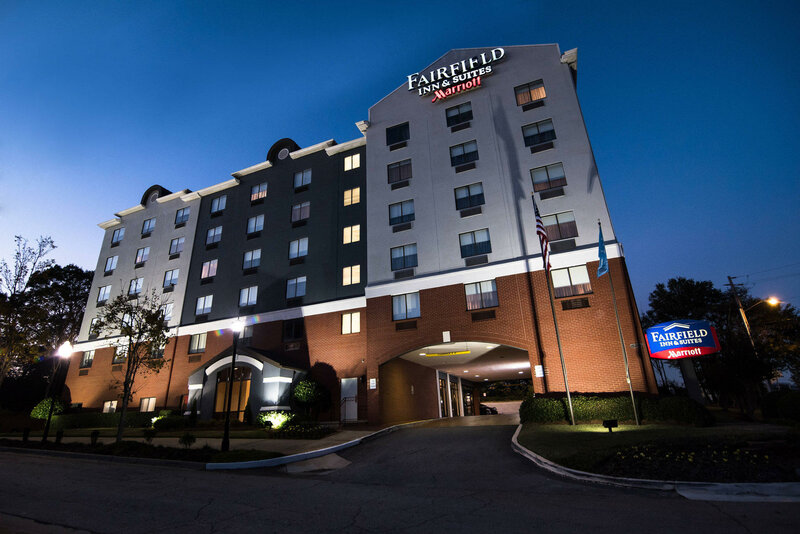 Fairfield Inn and Suites by Marriott Atlanta Airport North
