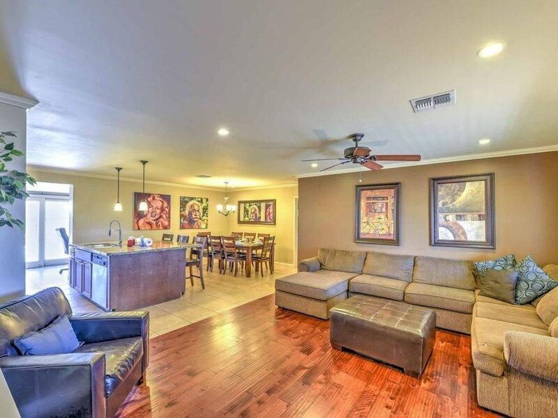 Sls Old Town Diamond Private Renovated Home - Free Heated Pool, SPA, Fire Pitt