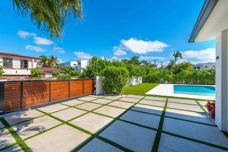 Miami World Rental - Venetian House