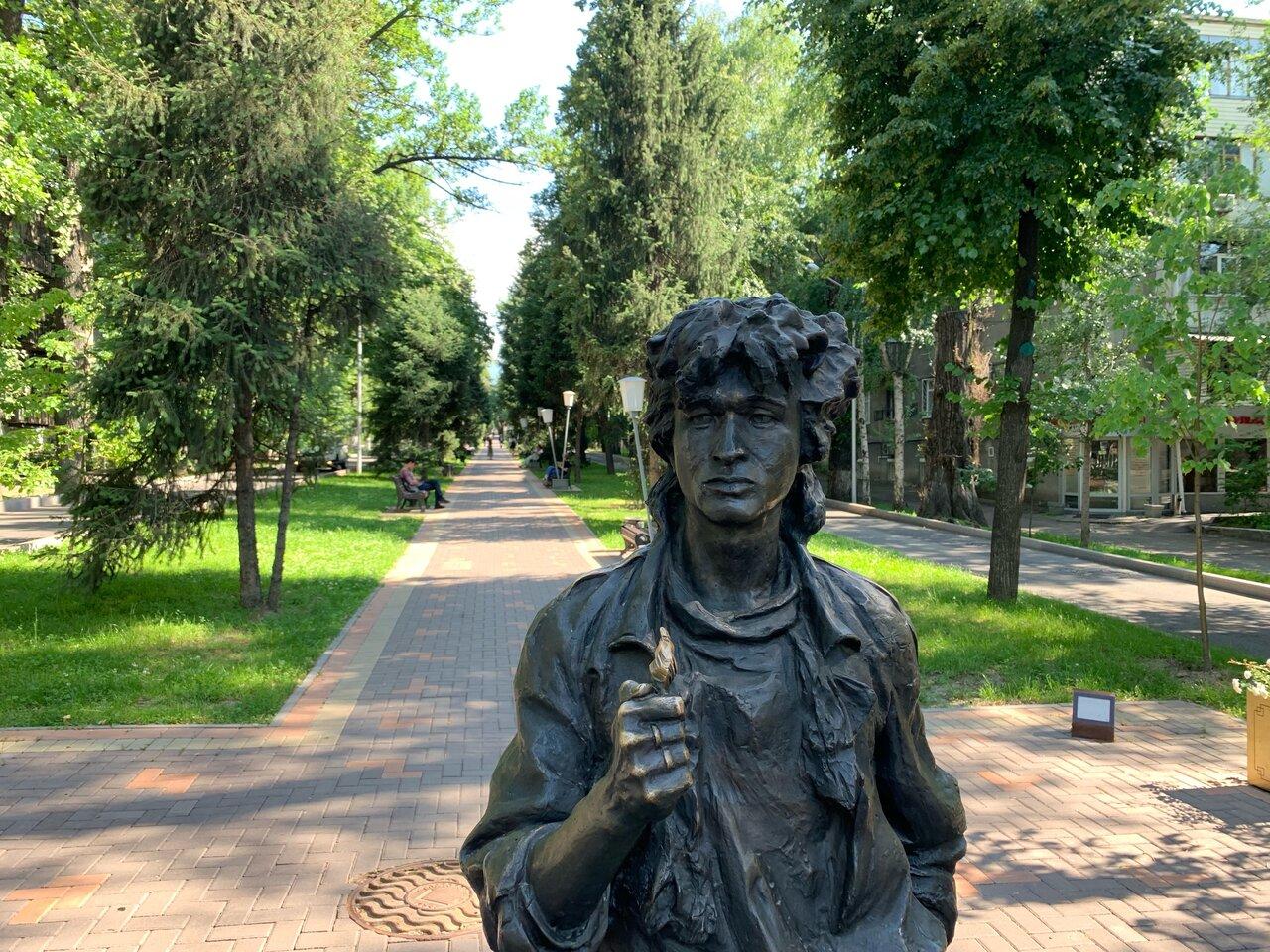 памятник цою в москве фото предлагает