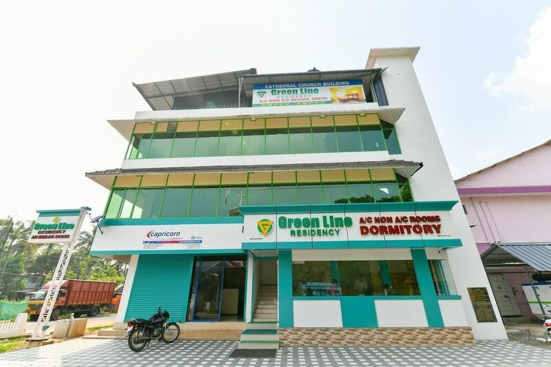 Oyo 23211 Green Line Residency