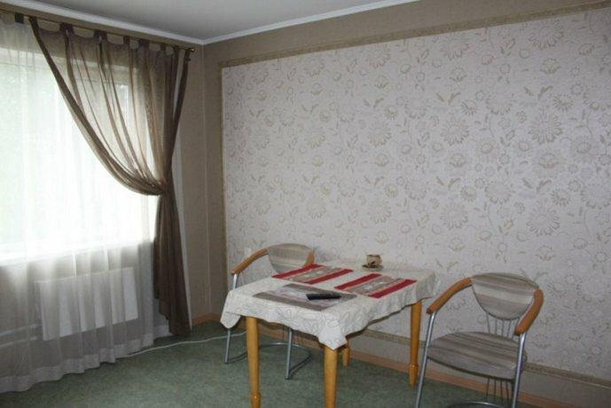 Trehkomnatnyie Shevtsovoj Apartments
