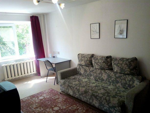 V Tsentre Aloye Pole Apartments
