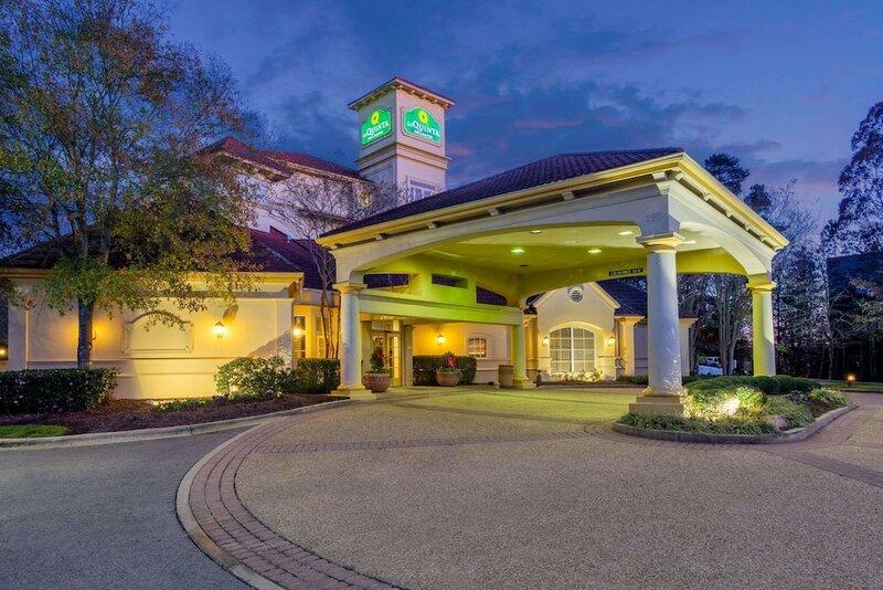 La Quinta Inn & Suites by Wyndham Raleigh Cary