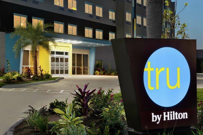 Tru by Hilton Webster Houston Nasa