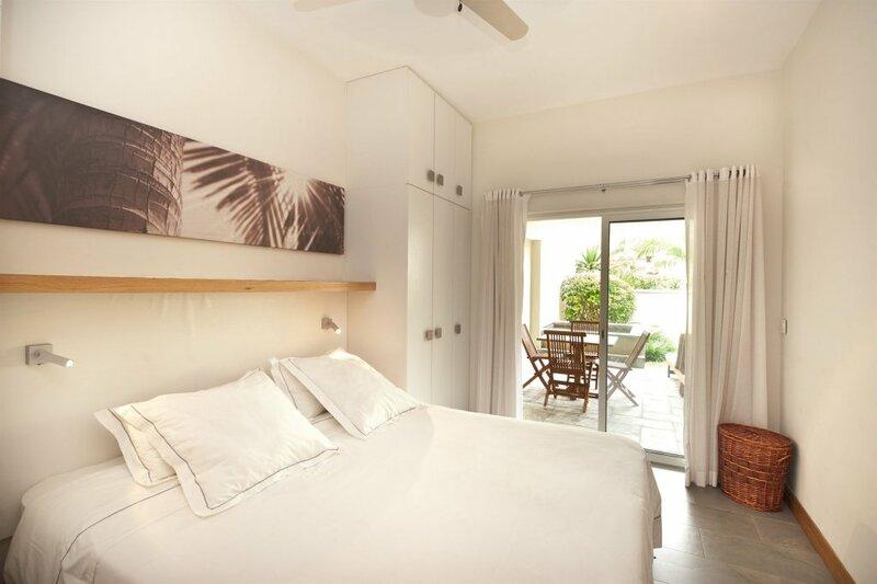 Cape Bay Luxury Beach Apartments by Barnes