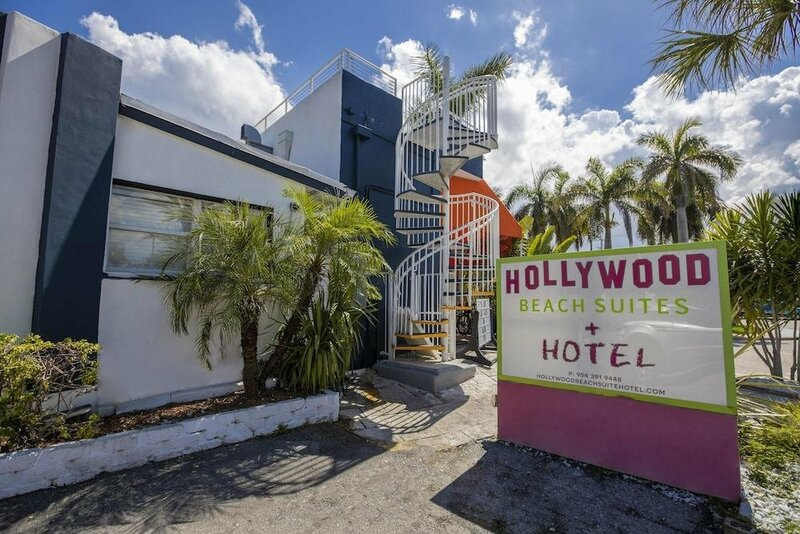 Hollywood Beach Suites Hostel & Hotel