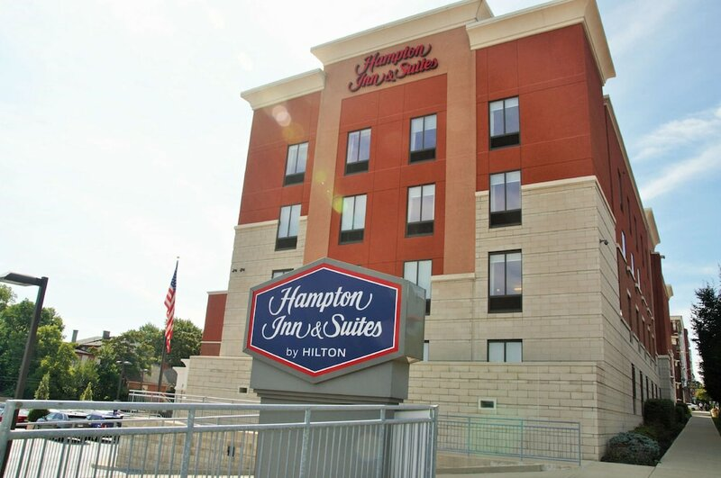 Hampton Inn & Suites Cincinnati/Uptown-University Area