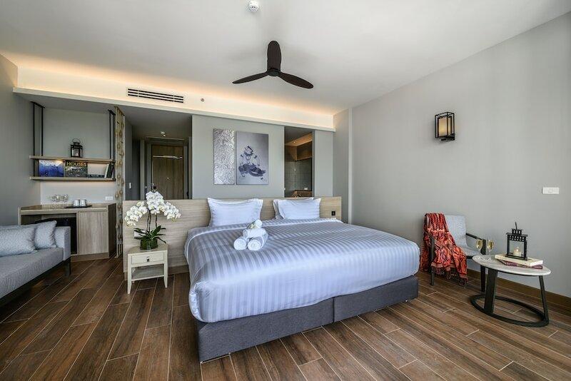 Isanook Hua Hin Resort & Suites