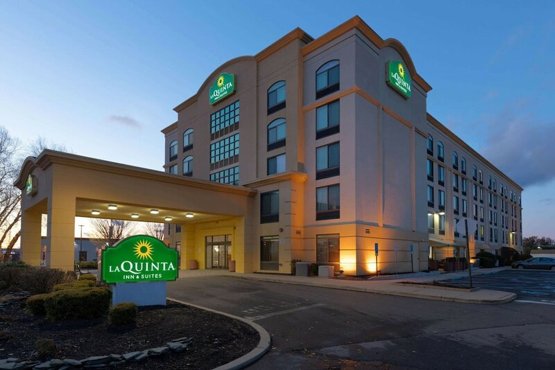 La Quinta Inn & Suites by Wyndham Garden City