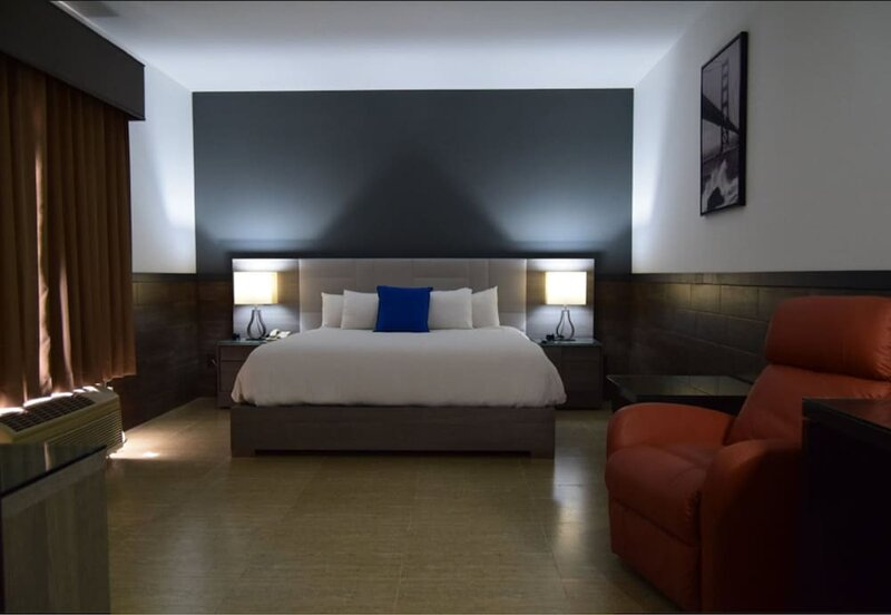Beverly Hills: Hotel & Business