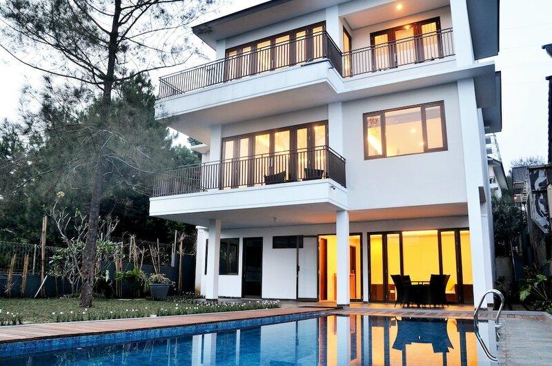 Elok Villa 4 Bedrooms with a Private Pool