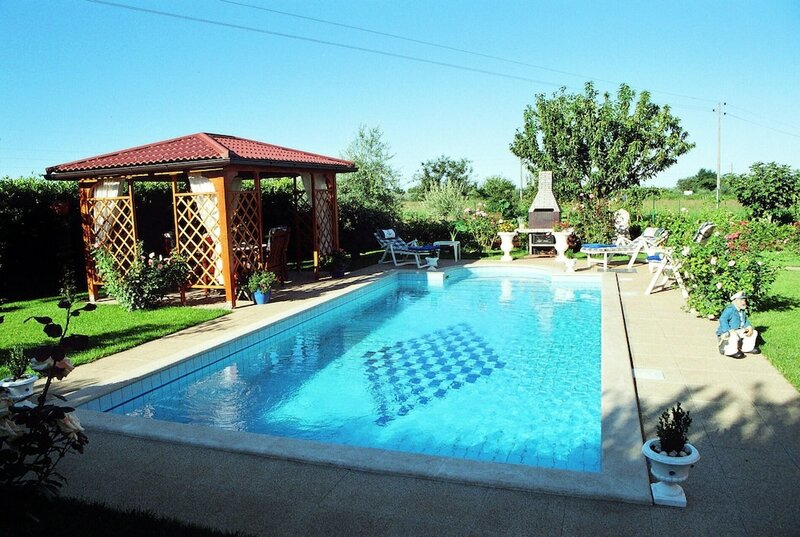 Villa With 3 Bedrooms in Umag, With Private Pool, Enclosed Garden and Wifi - 1 km From the Beach