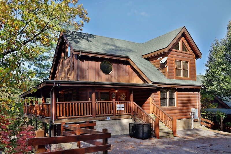 Blessed Nest 4 Br cabin by RedAwning