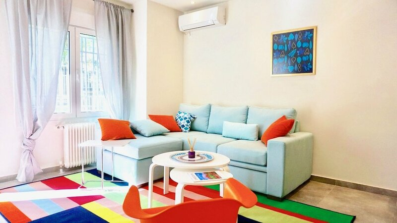 Comfy-Bright Studio Hilton Hotel Area