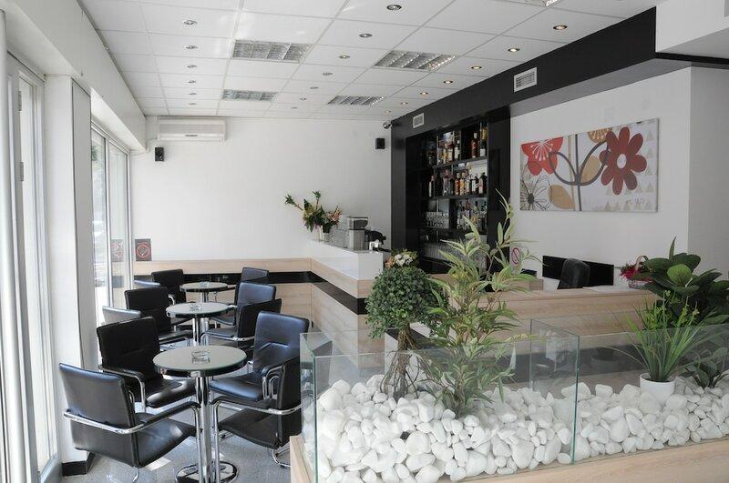 Garni Hotel Consul Accommodation