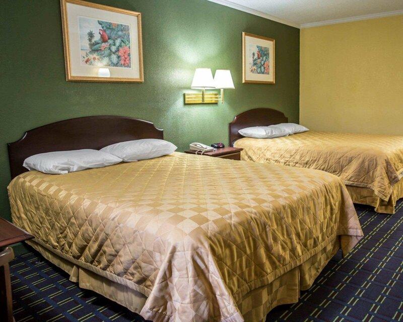 Rodeway Inn & Suites Plymouth Hwy 64