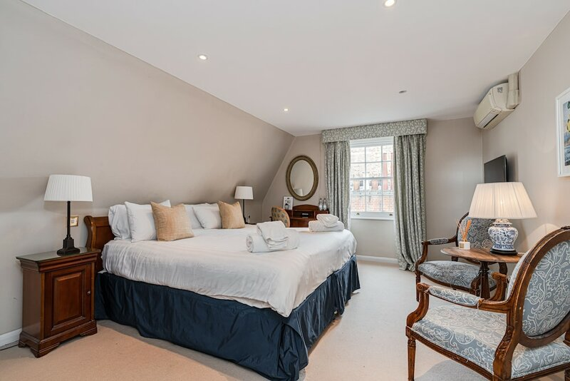 Knightsbridge Roof Garden Rooms