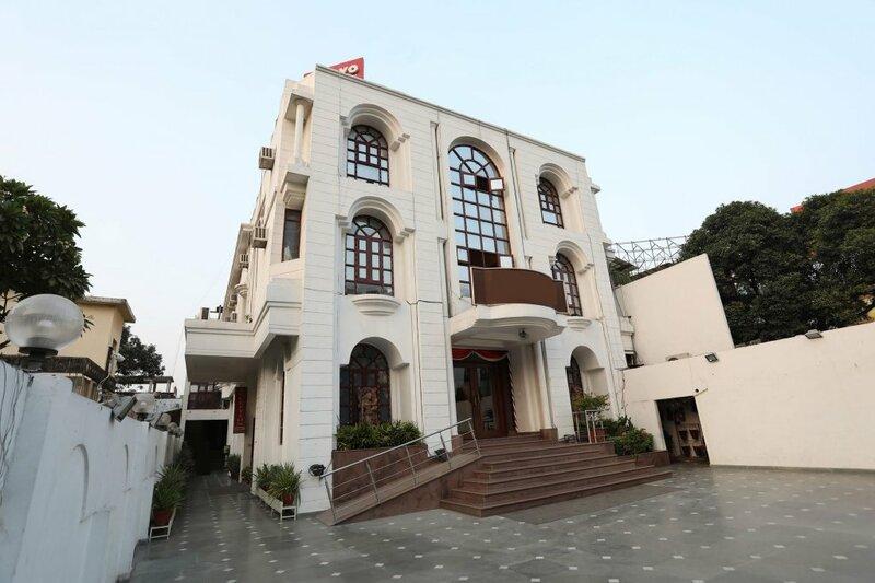 Oyo Flagship 11406 Indira Nagar