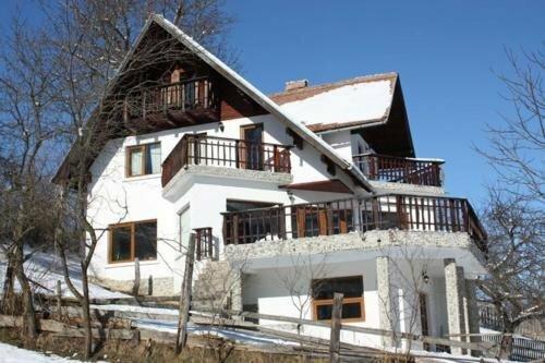Waltraud House