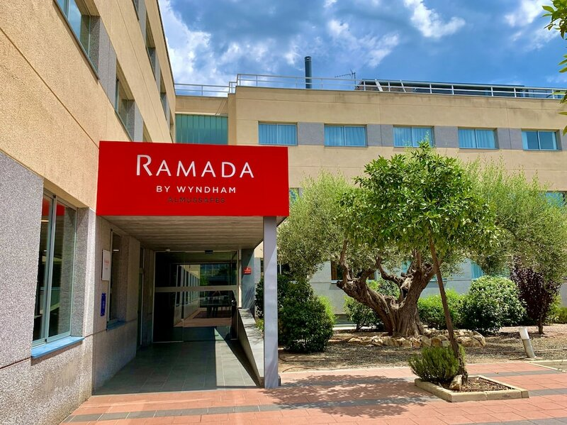 Ramada by Wyndham Valencia Almussafes