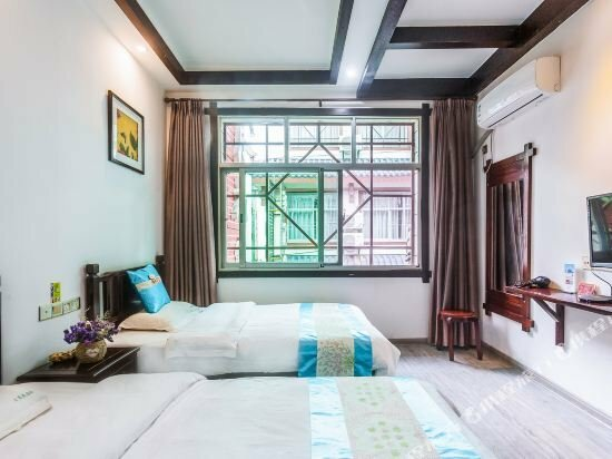 Wuyuehua Theme Inn