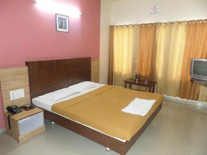 Hotel Aashish Deluxe Kolhapur