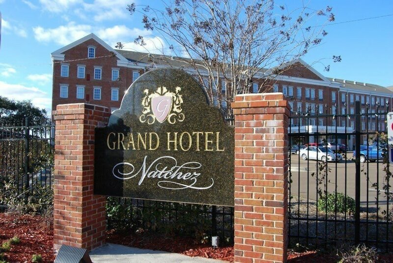 Natchez Grand Hotel & Suites On the River