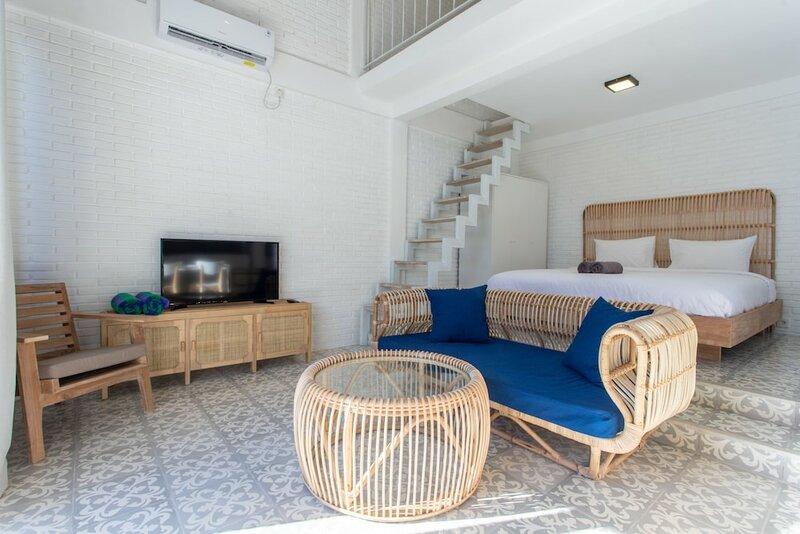 White Studio villa with private pool Canggu