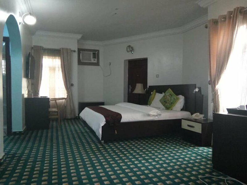 Paris Choice Hotels & Resort Wuse