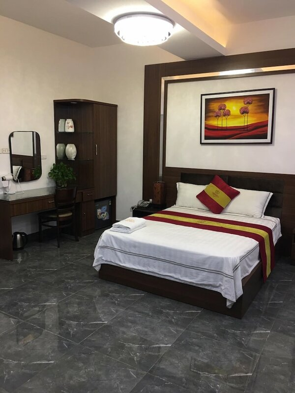 Queen Mo Lao Hotel