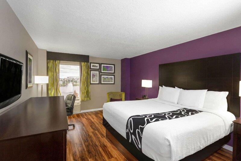 La Quinta Inn & Suites by Wyndham Orlando Universal area