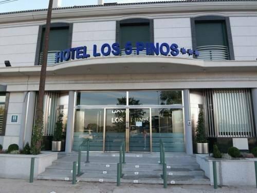 Hostal Los 5 Pinos
