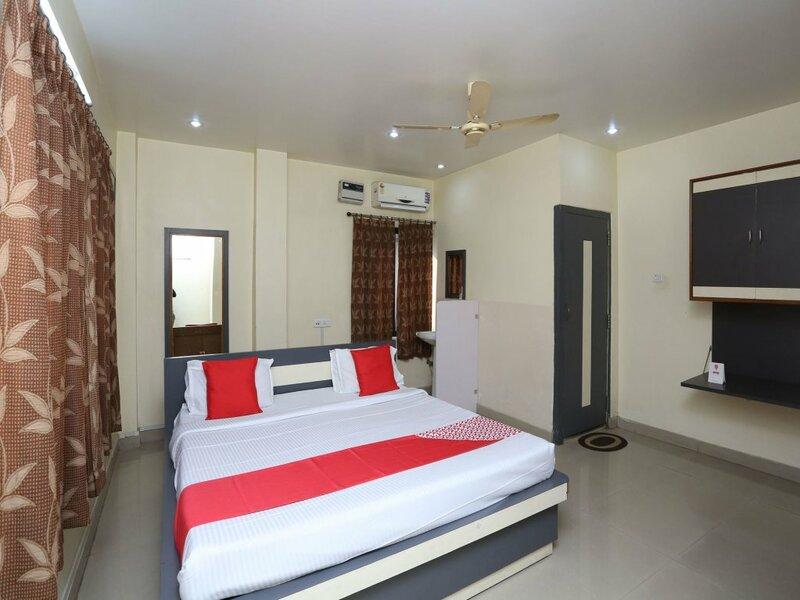 Oyo 13288 Hotel Rajashree Inn