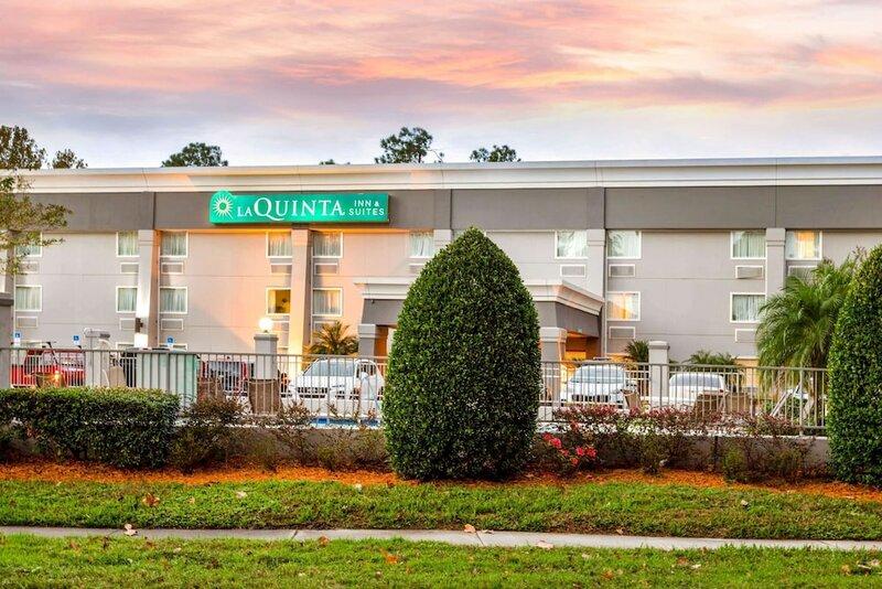 La Quinta Inn & Suites by Wyndham Jacksonville Mandarin