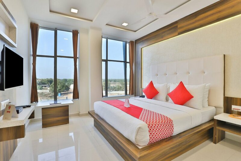 Oyo 11399 Hotel Landmark